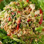 Salade in Indonesische stijl